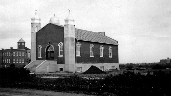 Al Rashid Mosque ca. 1940. Image courtesy of the City of Edmonton Archives A98-55.