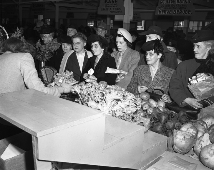 Scene at the City Market building, 1948. City of Edmonton Archives, EA-600-1024
