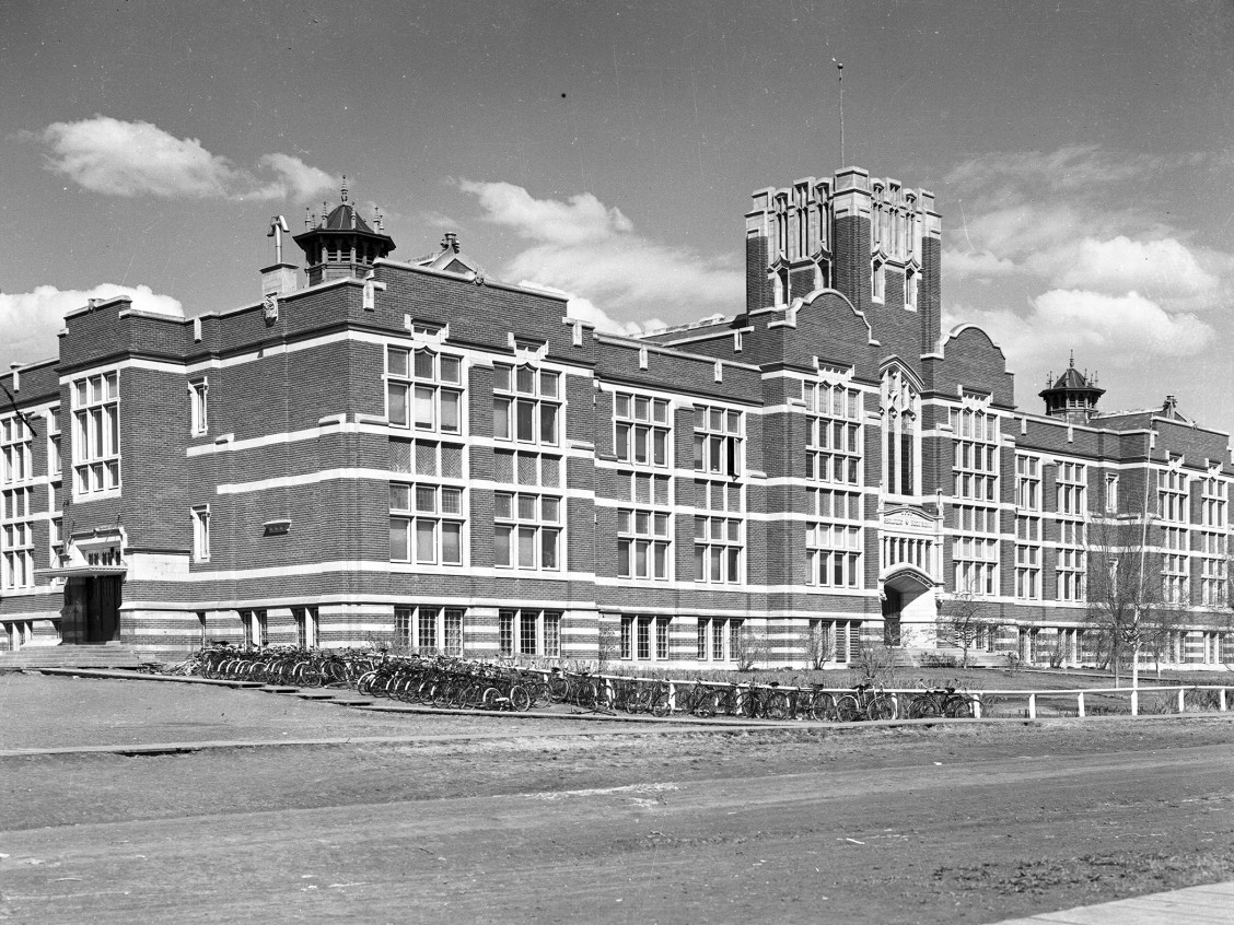 Westmount Public School, date uncertain. Provincial Archives of Alberta, PA 1261/1.